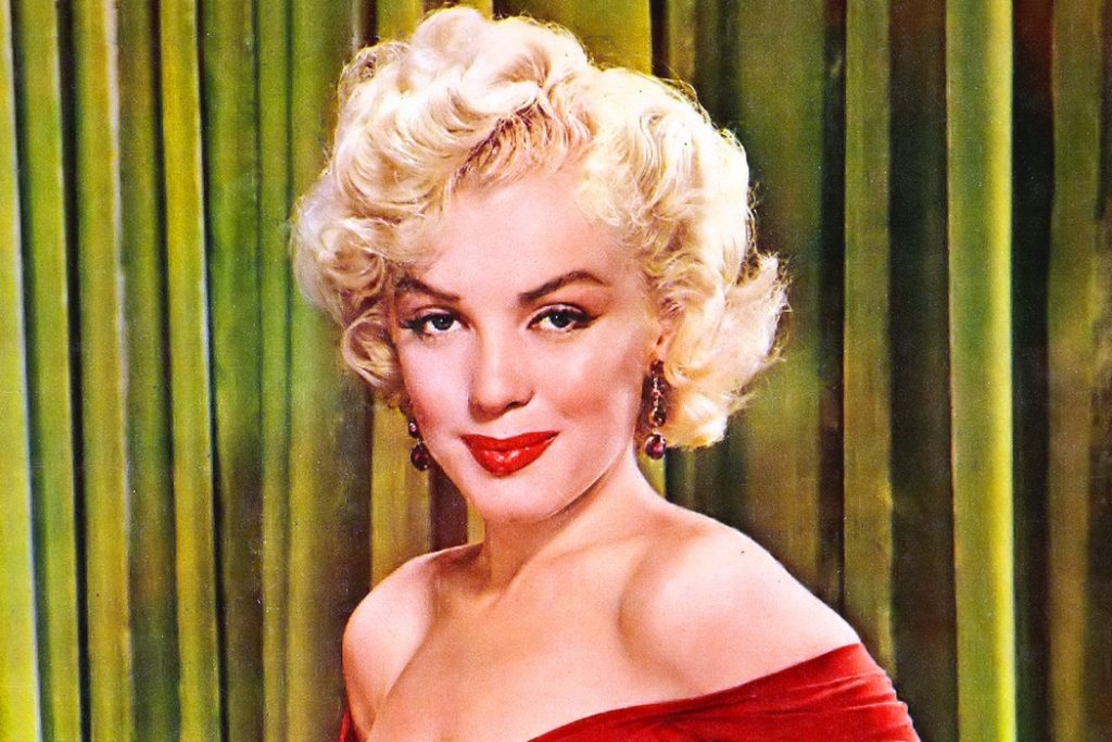 8 Beauty Tricks Used by Marilyn Monroe's Make-Up Artist 5